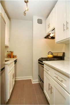 NYC home Staging a kitchen